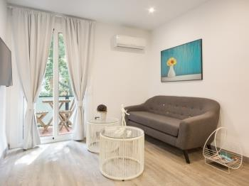 Apartment near Pedralbes for executives with balcony for 4