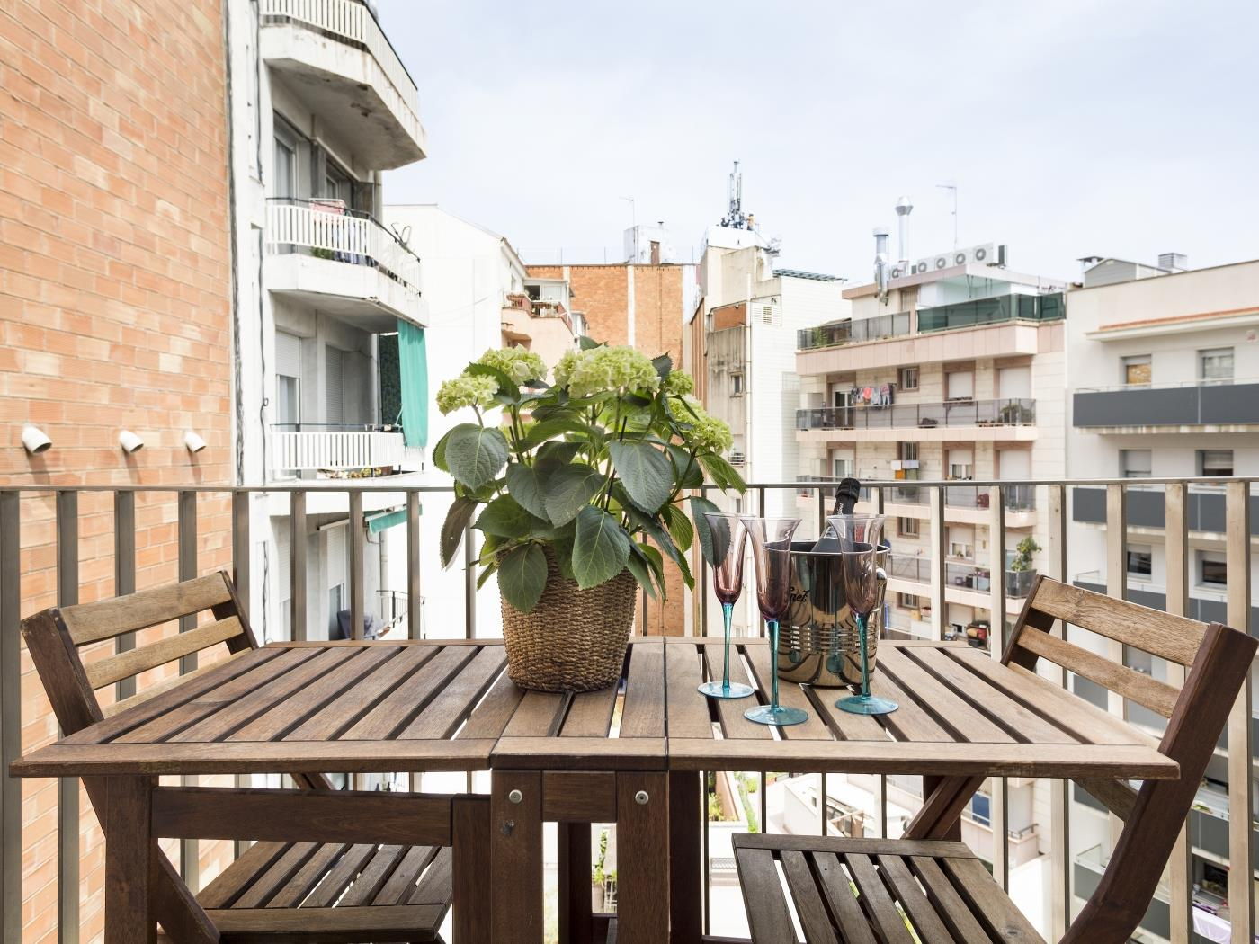 Barcelona Apartment in Arc de Triomf with Pool - My Space Barcelona Apartments
