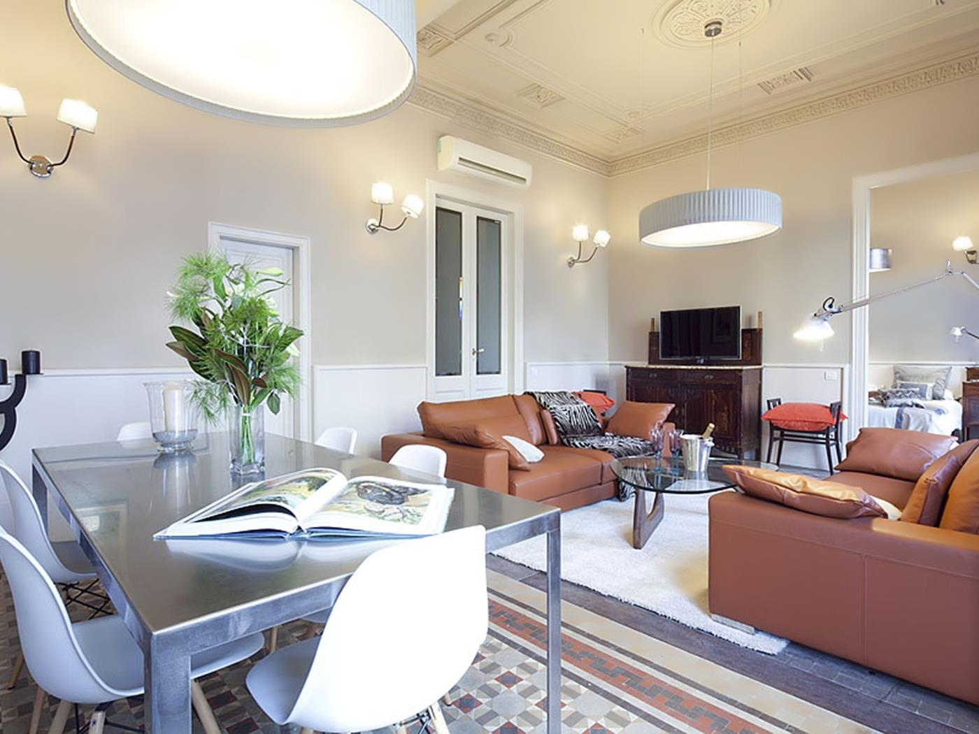 City Centre Boutique Apartment in Rambla Catalunya for 6 - My Space Barcelona Apartments