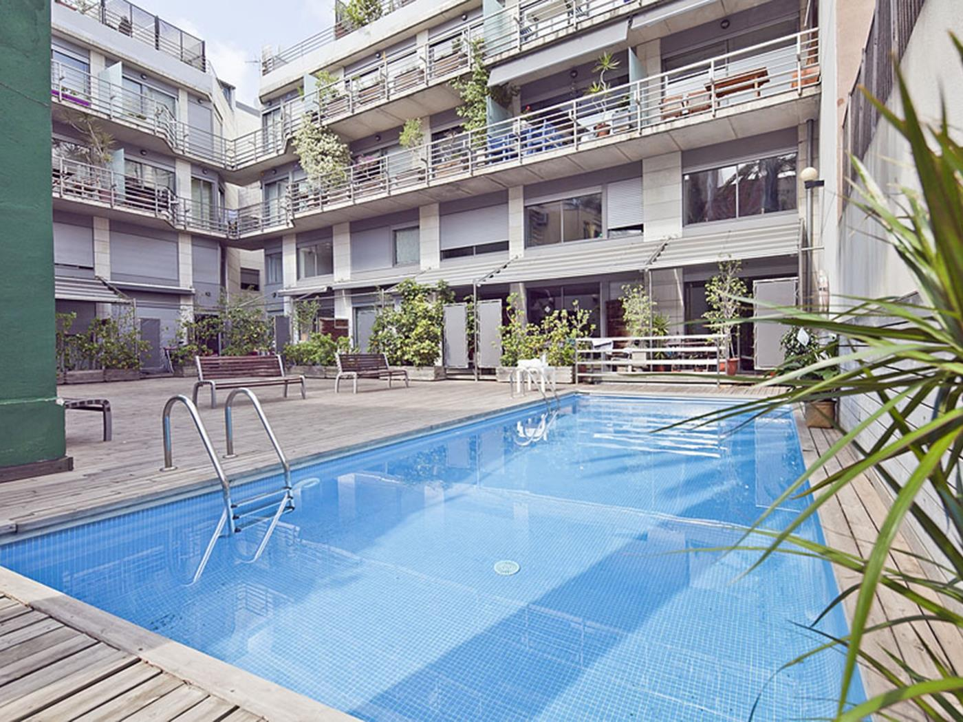 Duplex Apartment with Pool near Sagrada Familia for 8 - My Space Barcelona Apartments