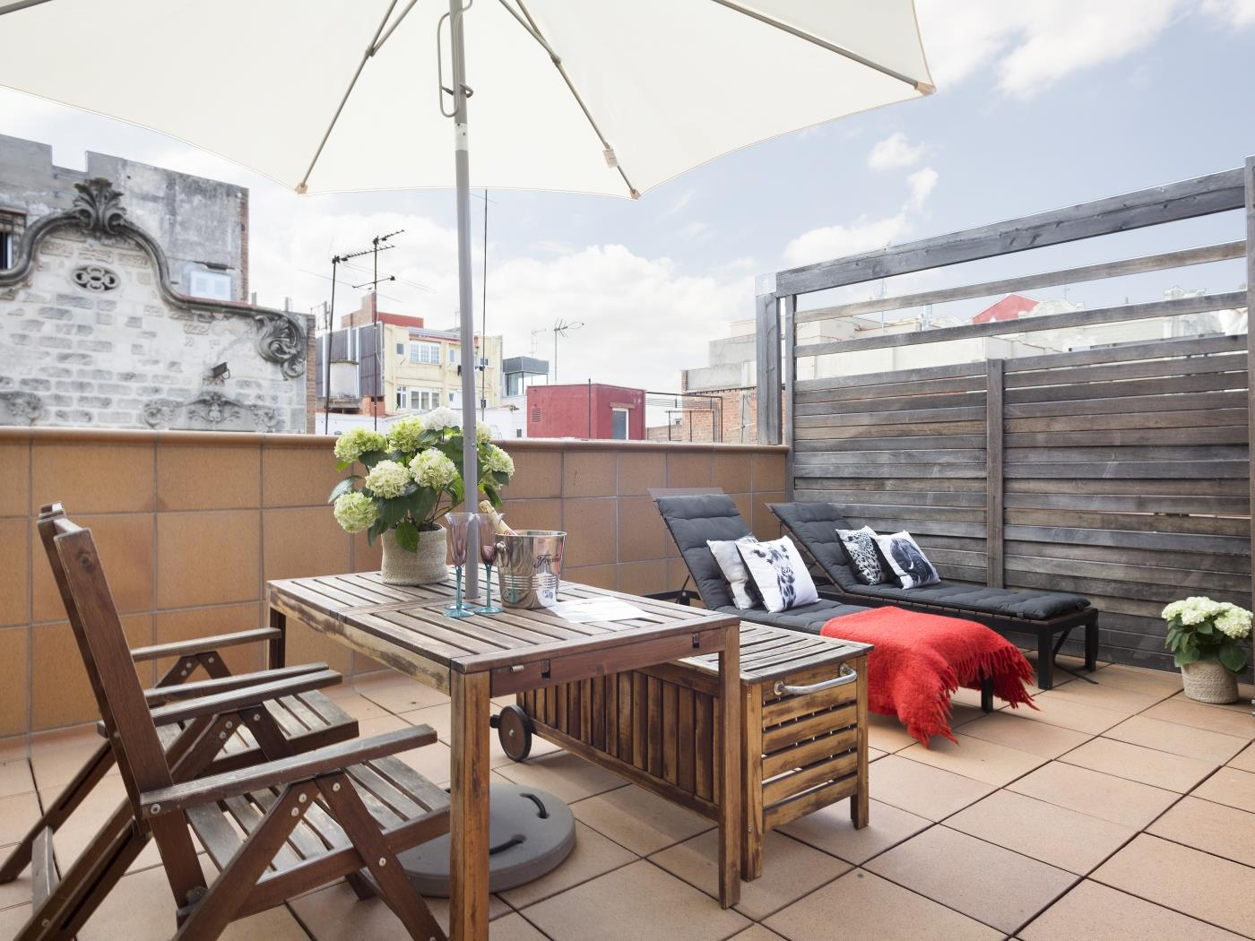 Private Terrace and Swimming Pool Apartment in Gràcia for 6 - My Space Barcelona Apartments