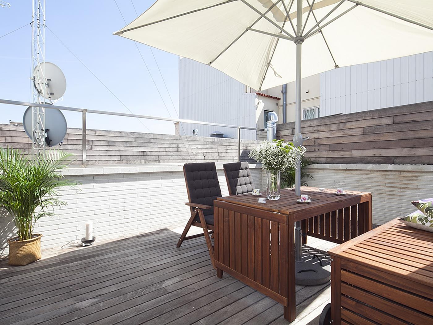 Penthouse with Terrace and Pool in City Center for 8 - My Space Barcelona Apartments