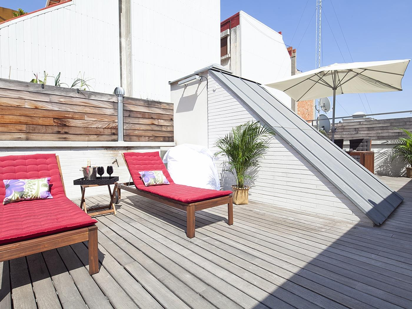 Gràcia Penthouse with Terrace and Pool for 8 - My Space Barcelona Apartments