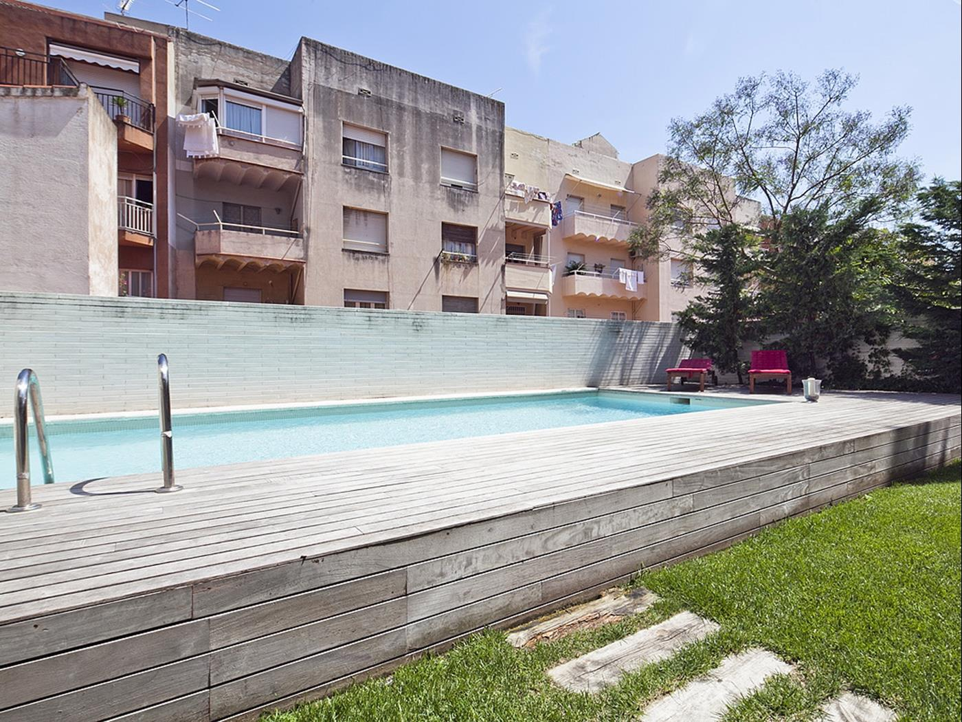 Apartment with Swimming Pool near Sagrada Familia for 8 - My Space Barcelona Apartments