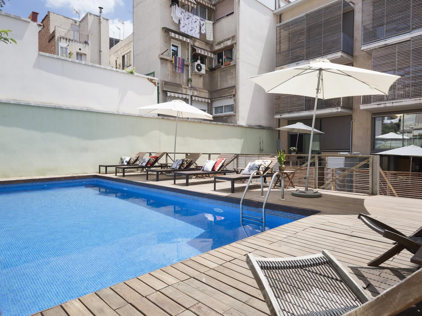 Terrace and pool apartment near the Barcelona centre for 10 - My Space Barcelona Apartments