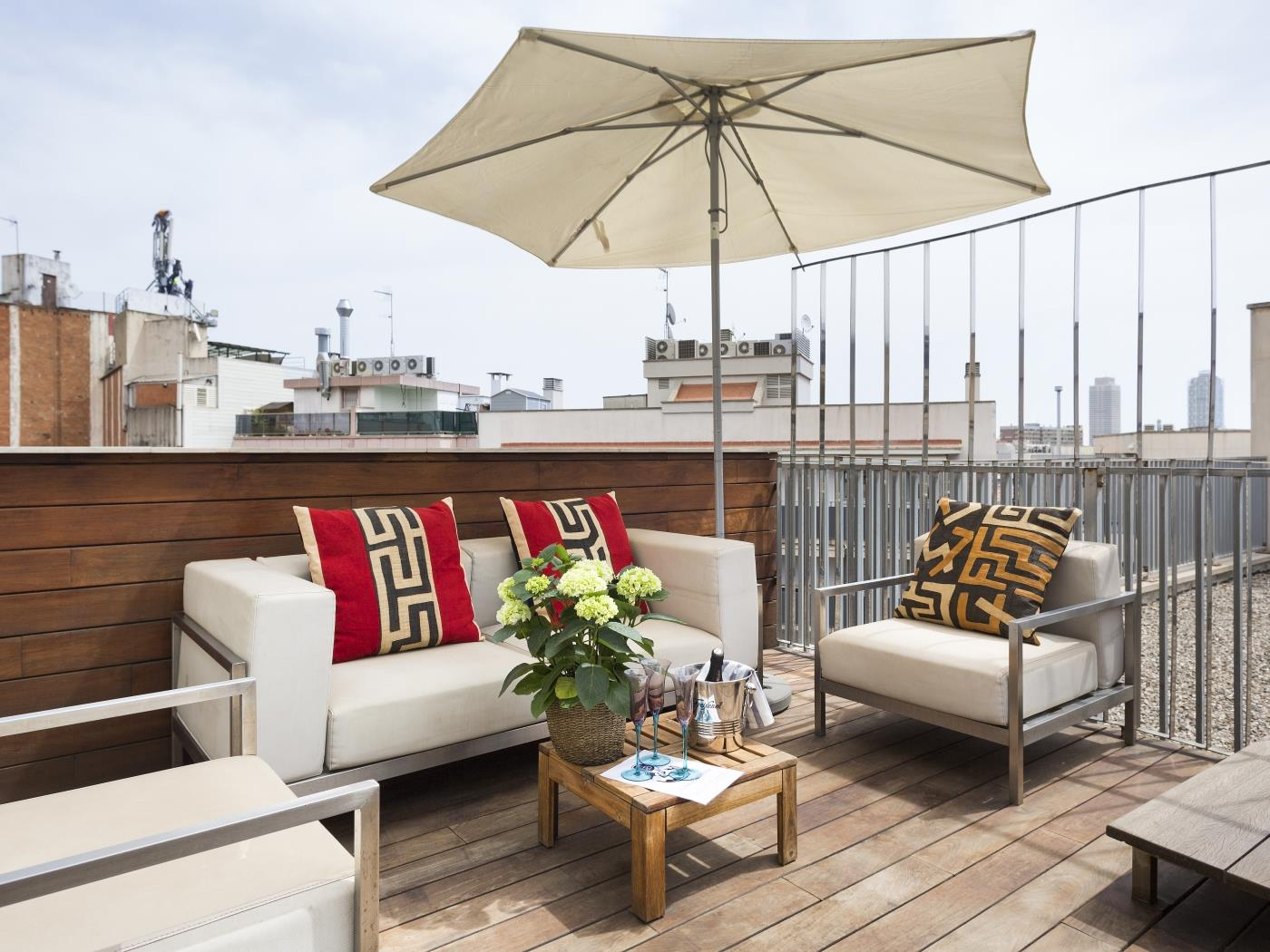 Loft right in the city centre in Arc de Triumph with swimming pool and terrace - My Space Barcelona Apartments