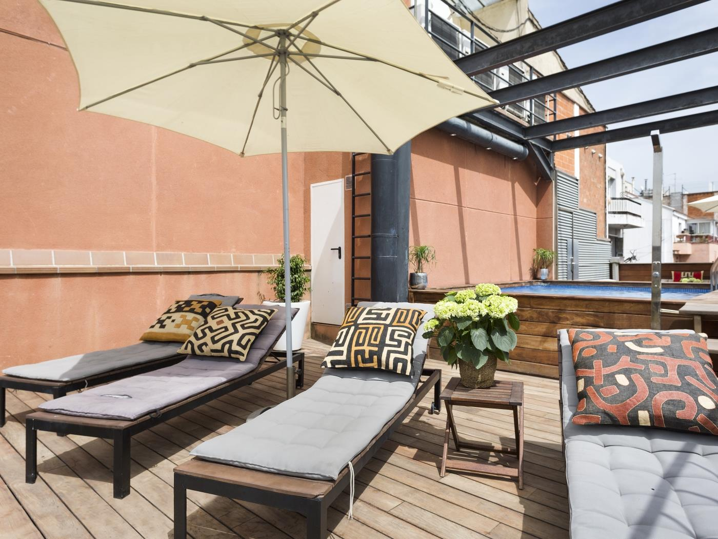 Arc de Triomf Loft in the city centre with rooftop swimming pool and terrace - My Space Barcelona Apartments