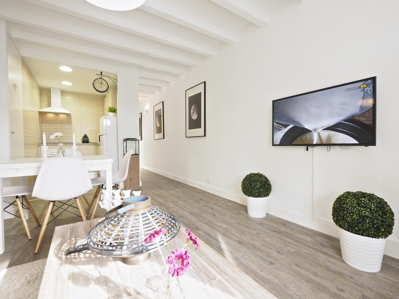 Poble Sec apartment in the centre of with small terrace for 4 - My Space Barcelona Apartments