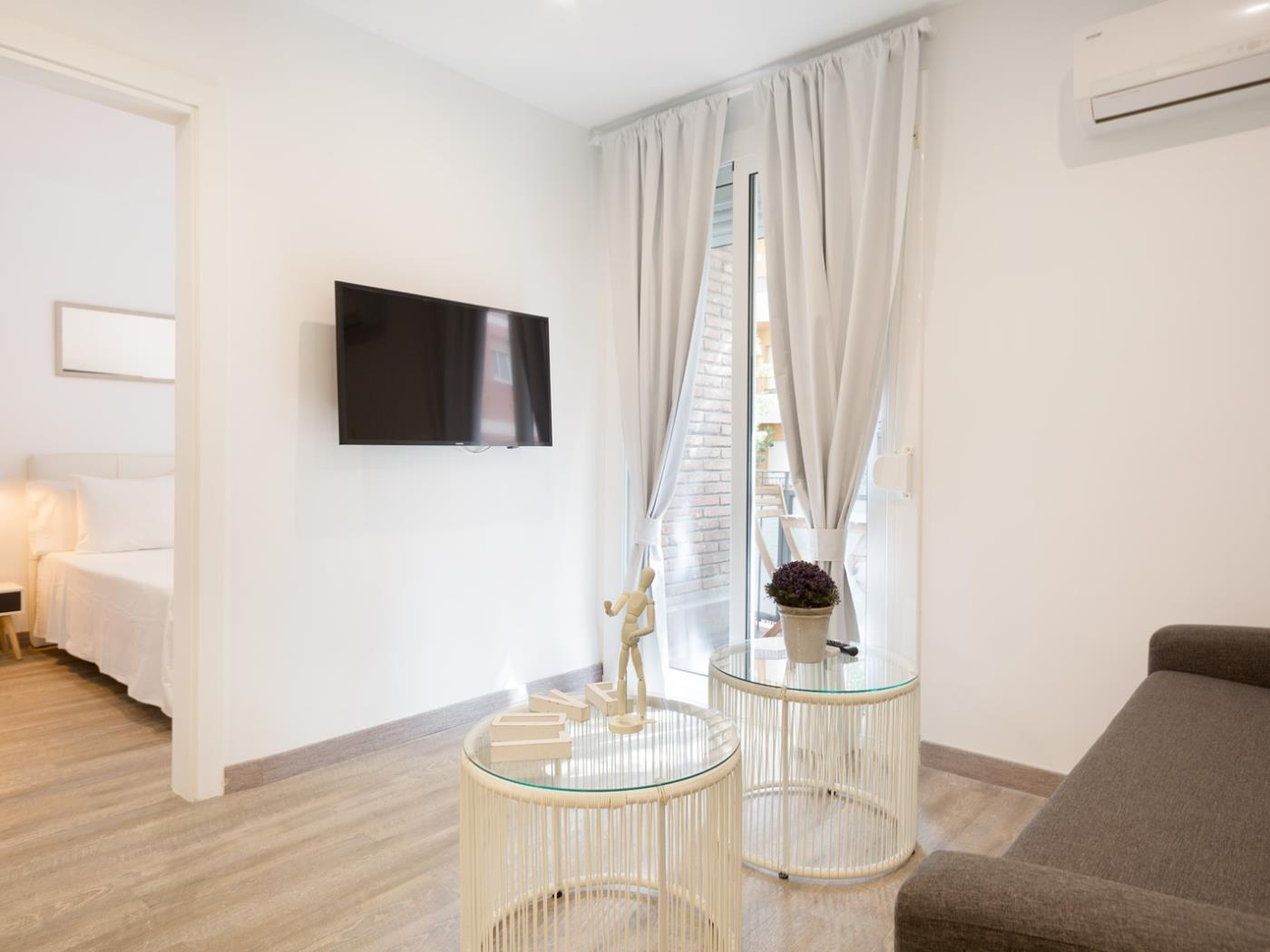 Apartment near Pedralbes for executives with balcony for 4 - My Space Barcelona Apartments