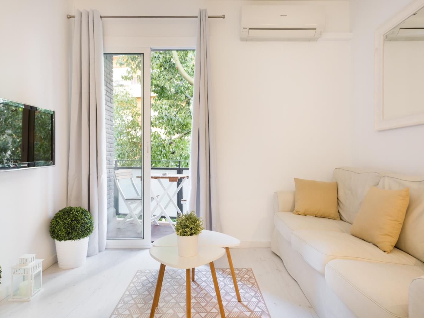 Beautiful apartment near the Camp Nou with private terrace for 5 - My Space Barcelona Apartments