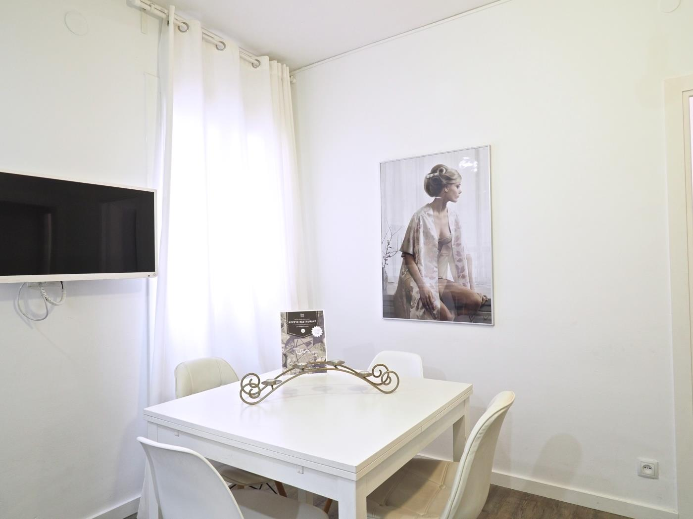 Amazing apartment near the Futbol Club Barcelona stadium for 5 - My Space Barcelona Apartments