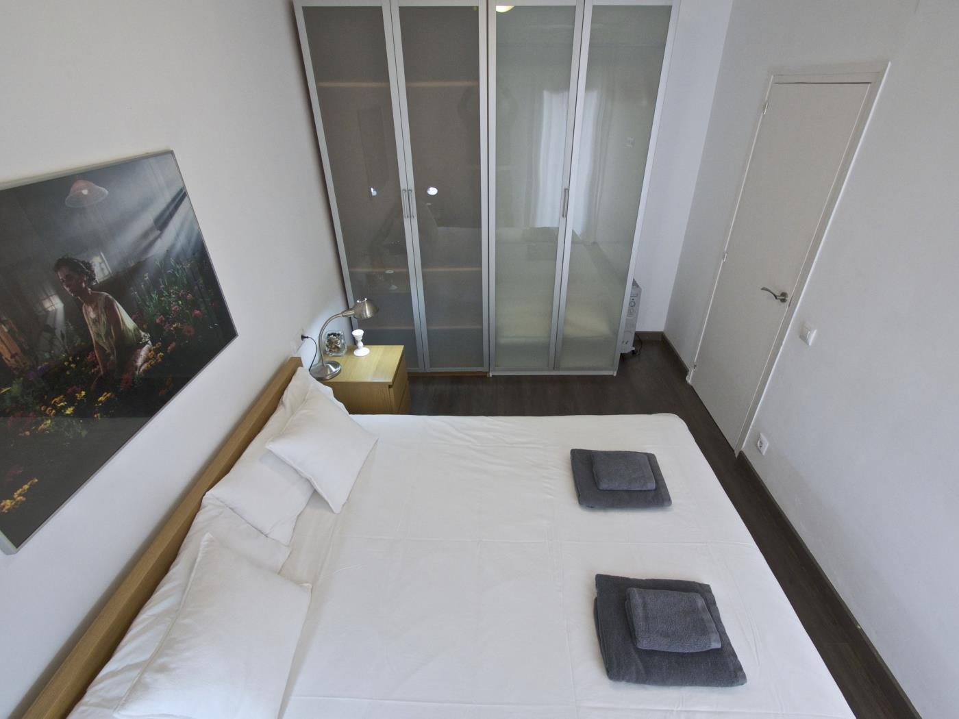 Barcelona Apartment near the Camp Nou with balcony for 5 - My Space Barcelona Apartments