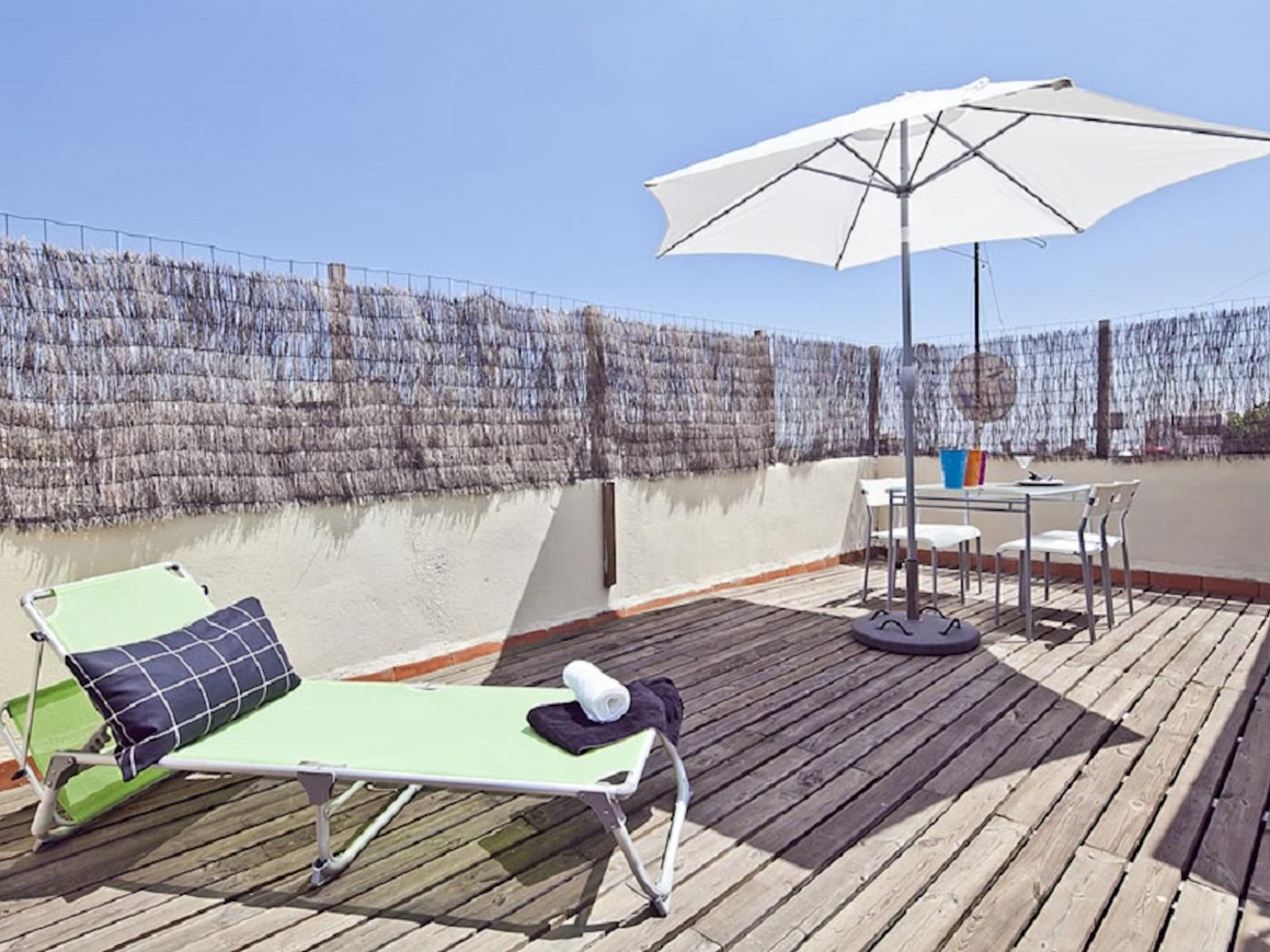 Duplex apartment in Barcelona centre with private terrace for 3 - My Space Barcelona Apartments