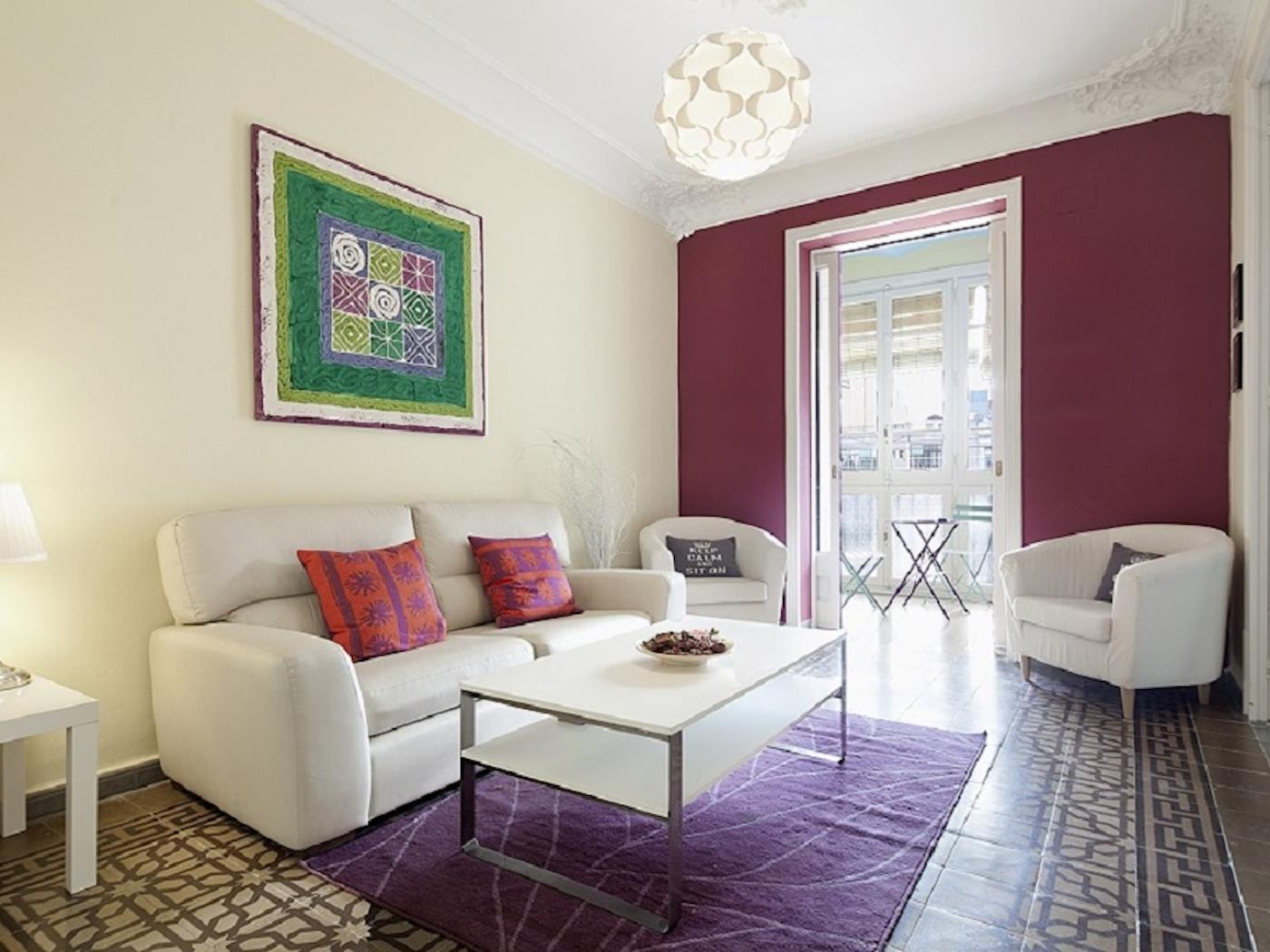 Beautiful apartment with balcony in the centre in Las Ramblas for 7 - My Space Barcelona Apartments