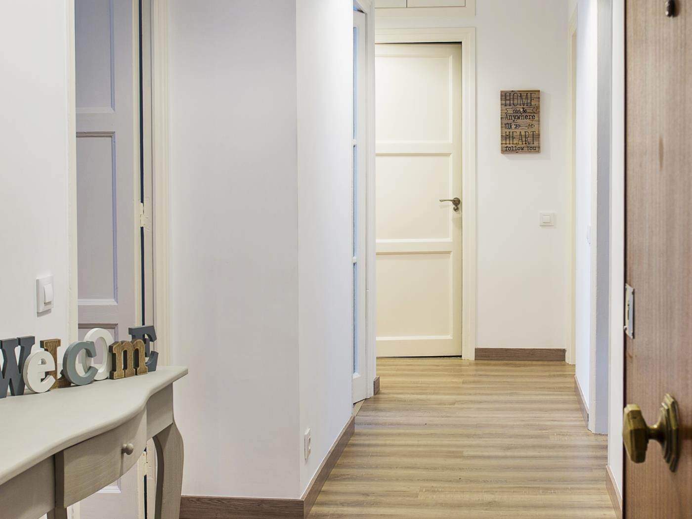 Apartment in the city centre in Sant Gervasi for 6 - My Space Barcelona Apartments