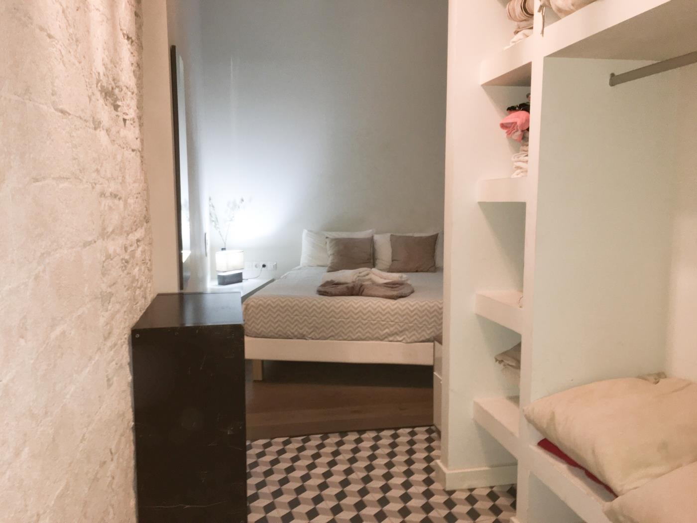 Bright apartment in the city centre of Barcelona in the Gothic for 2 - My Space Barcelona Apartments