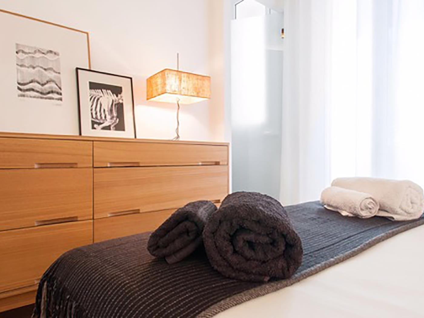 Beautiful apartment in the centre of Barcelona with balcony for 4 - My Space Barcelona Apartments