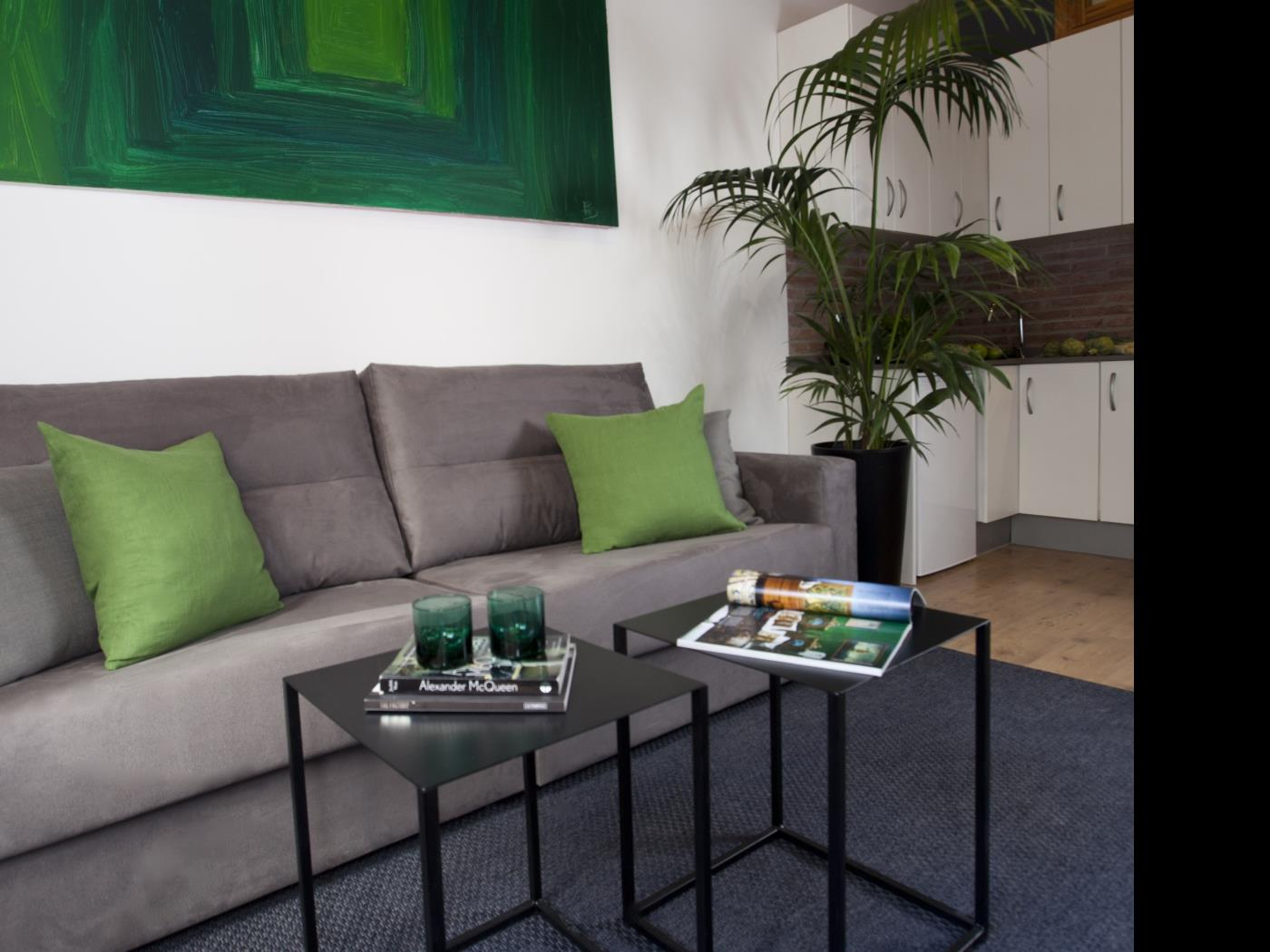 Modern apartment in Gràcia for big groups with Balcony for 8 - My Space Barcelona Apartments