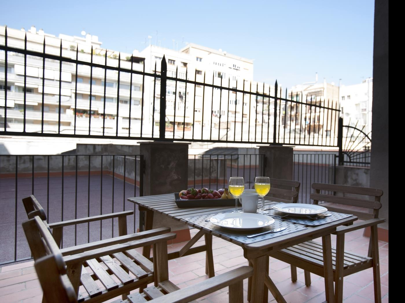 Great apartment in the heart of Barcelona with a private terrace for 6 - My Space Barcelona Apartments