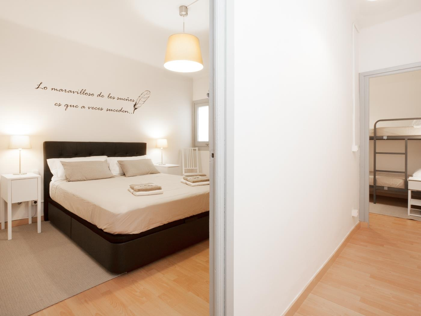 Comfortable apartment near the Park Güell with terrace for 5 - My Space Barcelona Apartments