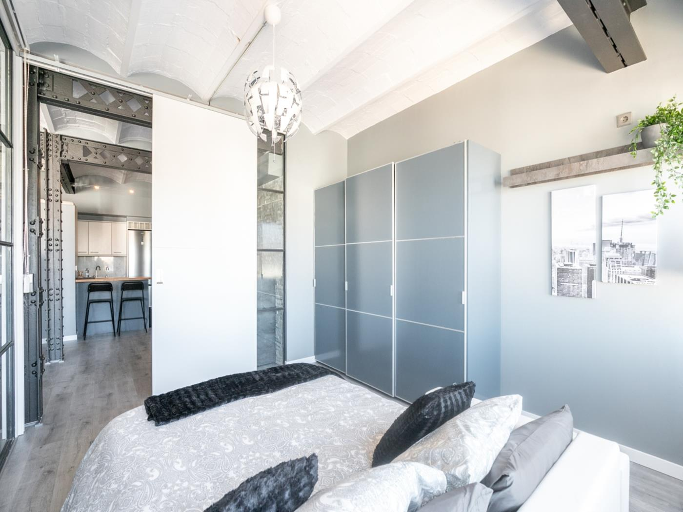 Lovely apartment with balcony close to the centre and to Plaza Catalunya for 4 - My Space Barcelona Apartments