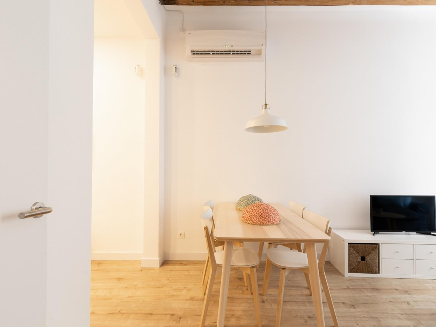 Cozy and spatious apartment ideal for a couple close to the city centre - My Space Barcelona Apartments