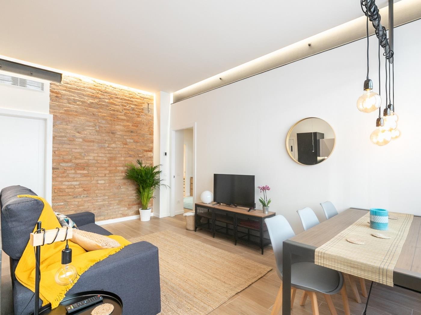 Modern and spatious apartment with a beautiful terrace for 4 - My Space Barcelona Apartments
