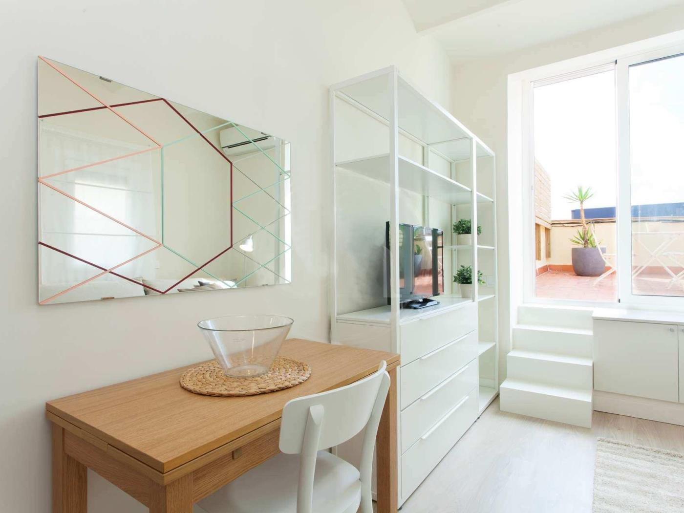 Beautiful loft attic apartment really close to the centre ideal for couples - My Space Barcelona Apartments
