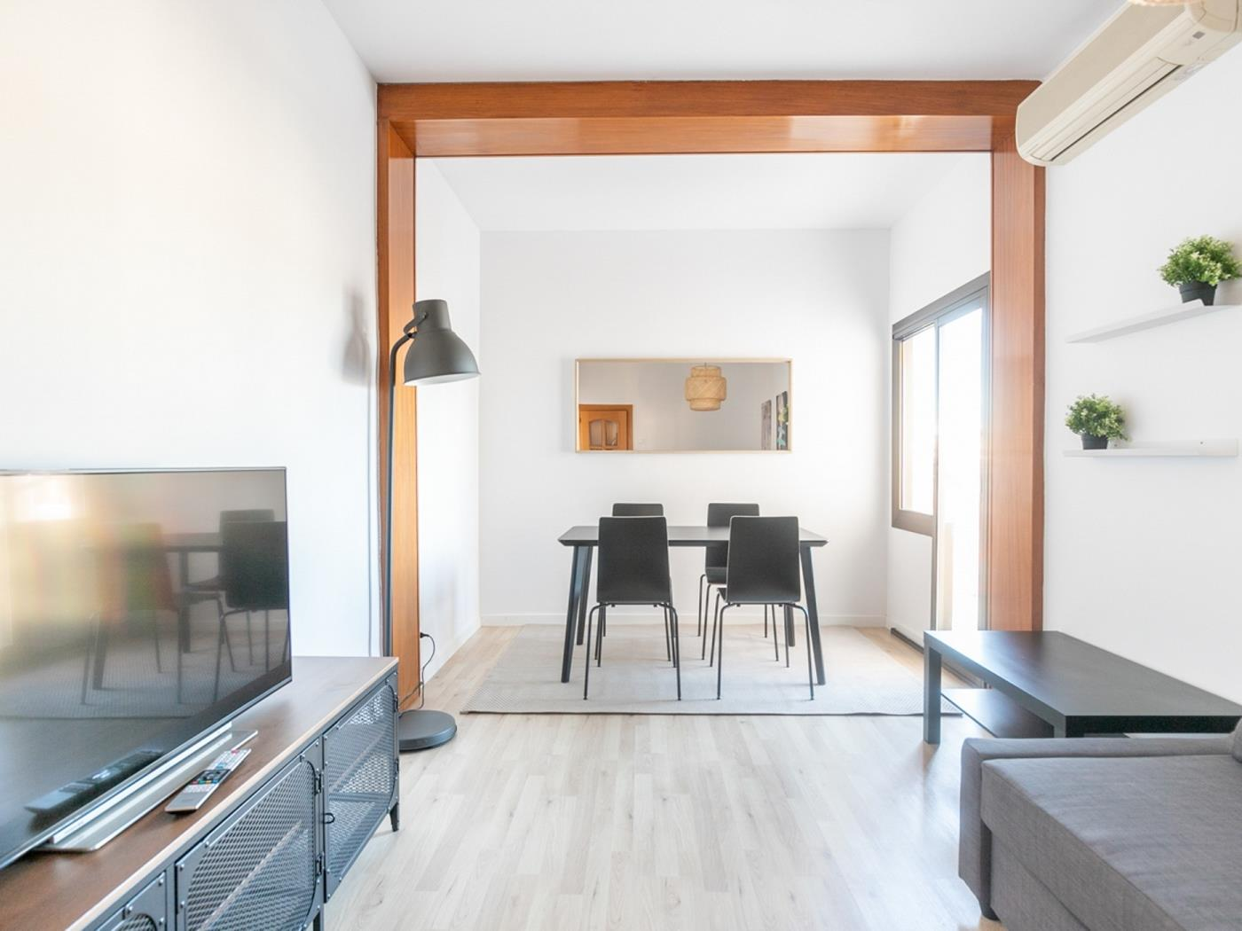 Beautiful and modern apartment with a beautiful terrace ideal for a family of 6 - My Space Barcelona Apartments