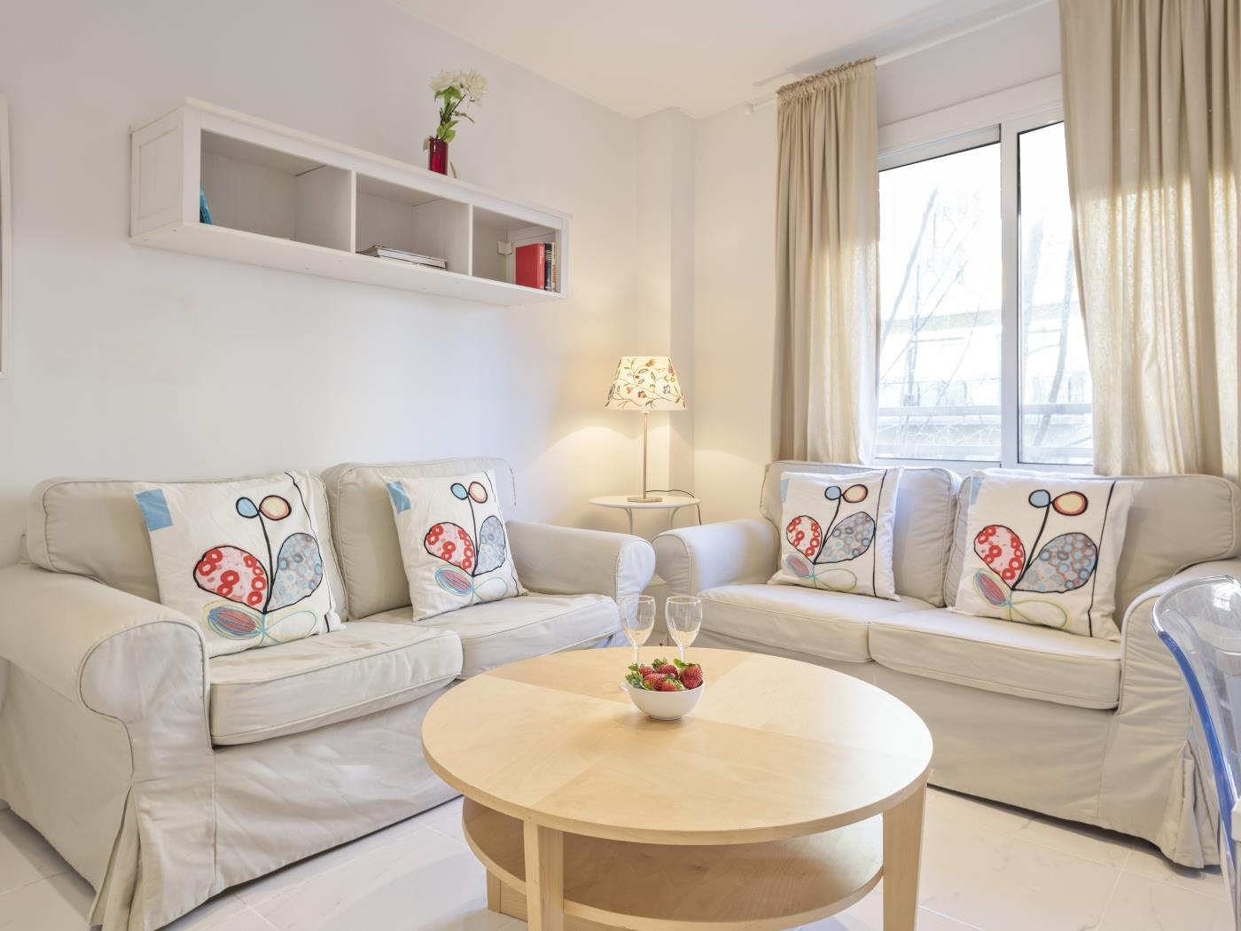 Modern and cosy apartment in the city centre near Plaza Catalunya for 4 - My Space Barcelona Apartments