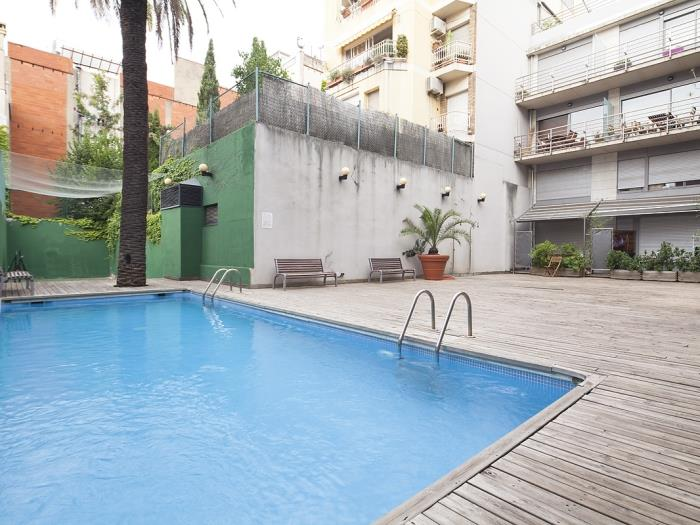 Room for students and professionals near business schools with terrace and pool - My Space Barcelona Apartments