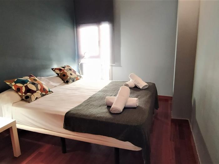 Room with private bathroom for students and professionals in flat with terrace - My Space Barcelona Apartments