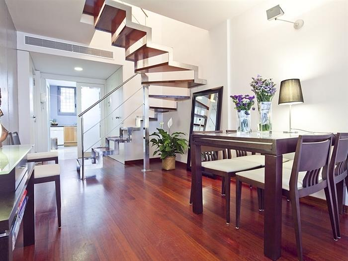 Spacious room in duplex with terrace for professionals and students in Putxet - My Space Barcelona Apartments