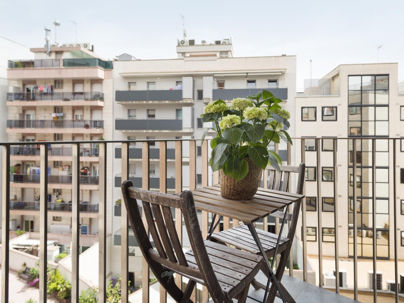 Room with balcony in a building with a shared swimming pool and terrace - My Space Barcelona Apartments