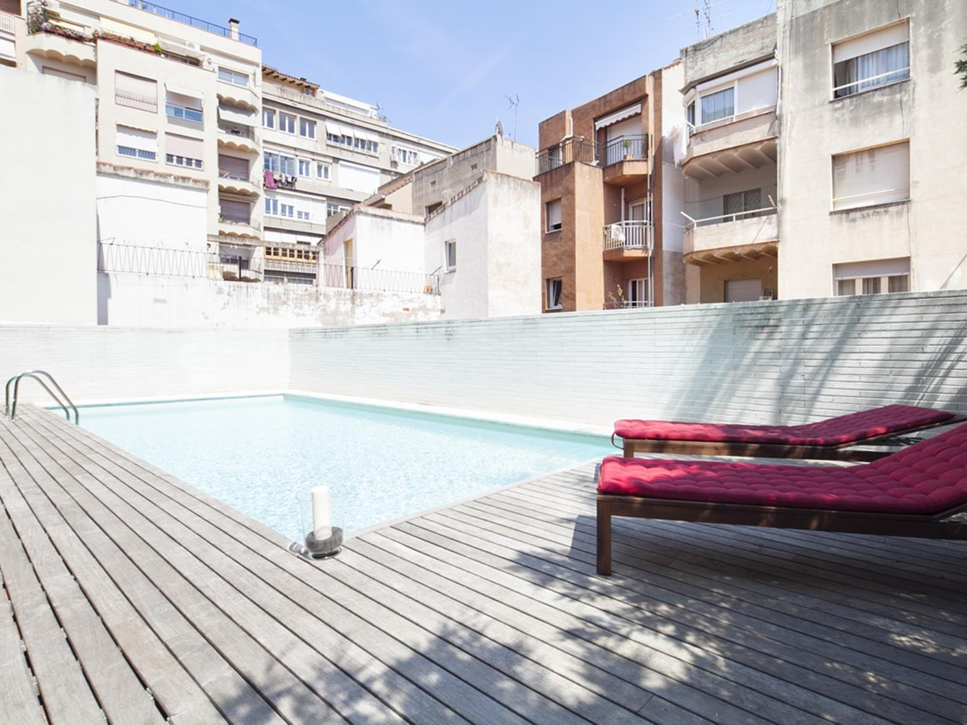 Room in duplex apartment with terrace and access to a swimming pool in Putxet - My Space Barcelona Apartments