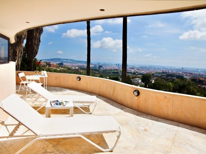 Extraordinary villa in Barcelona with pool and solarium with incredible views - My Space Esplugues de Llobregat Apartments