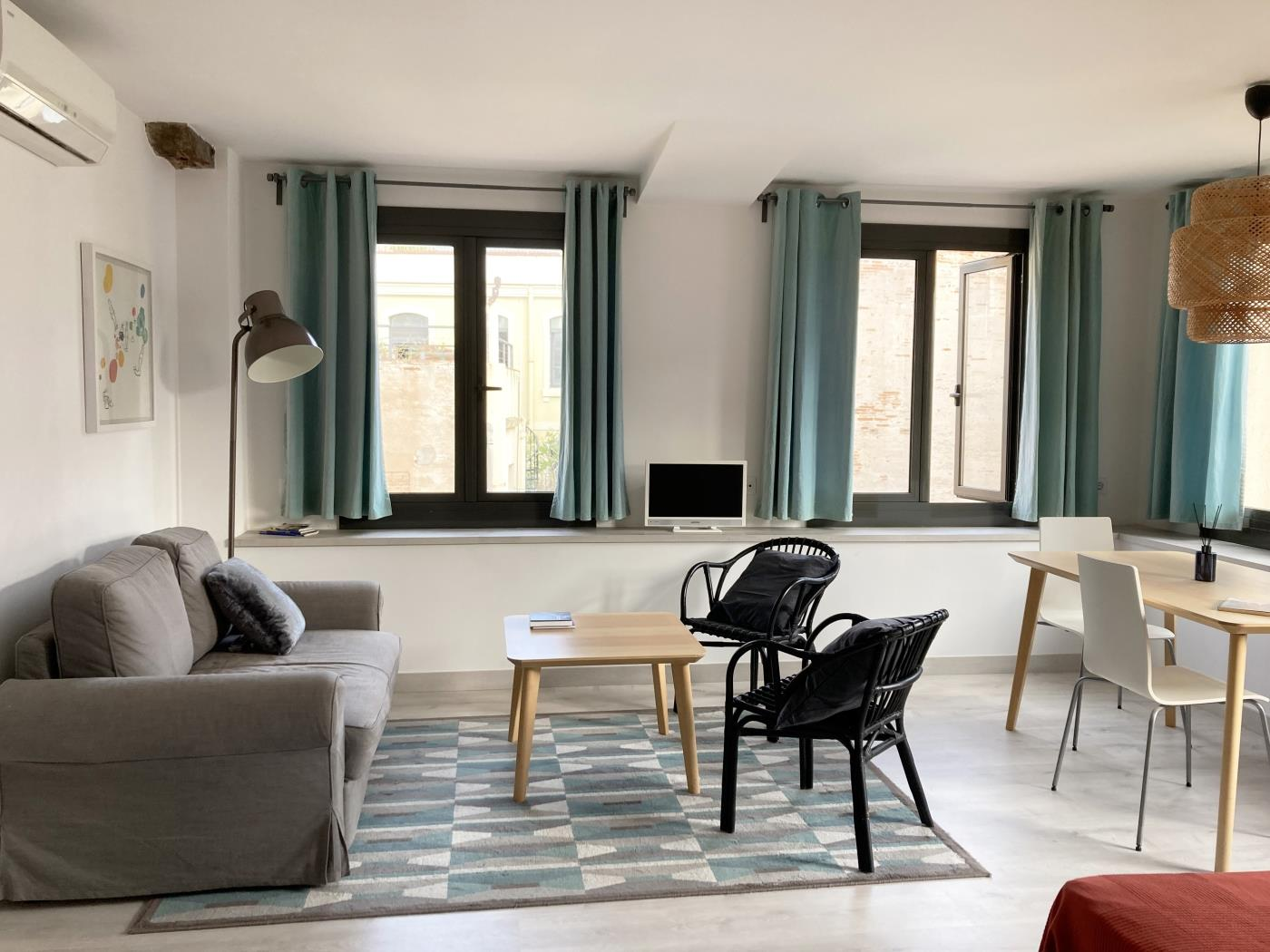 Bright loft in the city centre of Barcelona for monthly rentals - My Space Barcelona Apartments